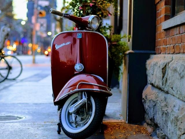 Elektrische scooter wint aan populariteit: voordelen van elektrisch rijden