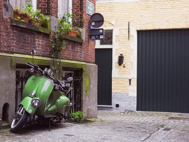Wat zijn de voordelen en nadelen van een deelscooter?