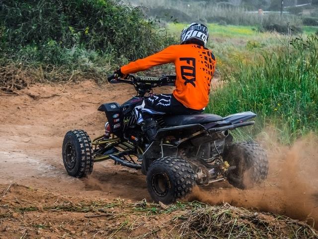 Wanneer is een quad een scooter en hoe zit het met de verzekering?
